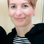 Jenny , unsere Meisterin, u.a. Expertin für Feinhaarschnitt, Trainerin der Auszubildenden